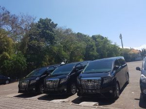 2 Type Sedan Mewah Untuk Liburan Murah di Bali