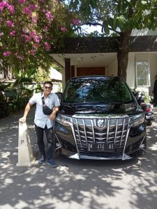 Ingin Sewa Alphard di Bali